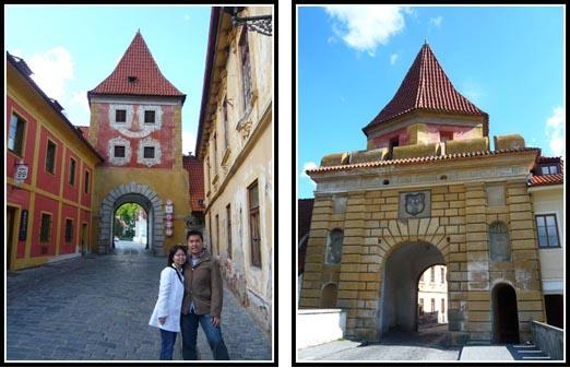 cesky krumlov town gate