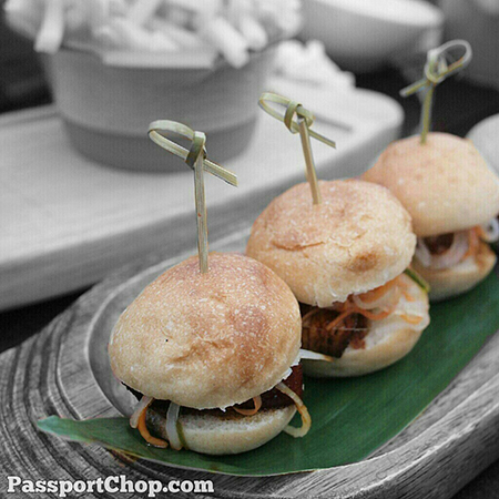 MarinaBaySands KuDeTaSG Ku De Ta Pork Belly Mini Burger - pre-show snack #foodporn @ Ku Dé Ta Club Lounge