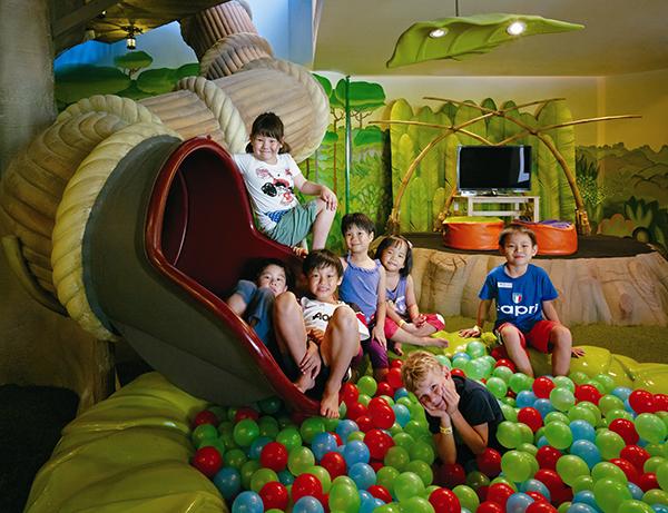 Bottom of the giant tree-house slide Rasa Sentosa Kids Toots' Club Activity Frog Icon Rasa Sentosa Shangri-La Hotel Staycation Beach Holiday Vacation Family Friendly Swimming Pool