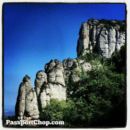Spain Barcelona Travel Beautiful Montserrat rock formations @SpainSEA @montserratinfo @cheaptickets_sg