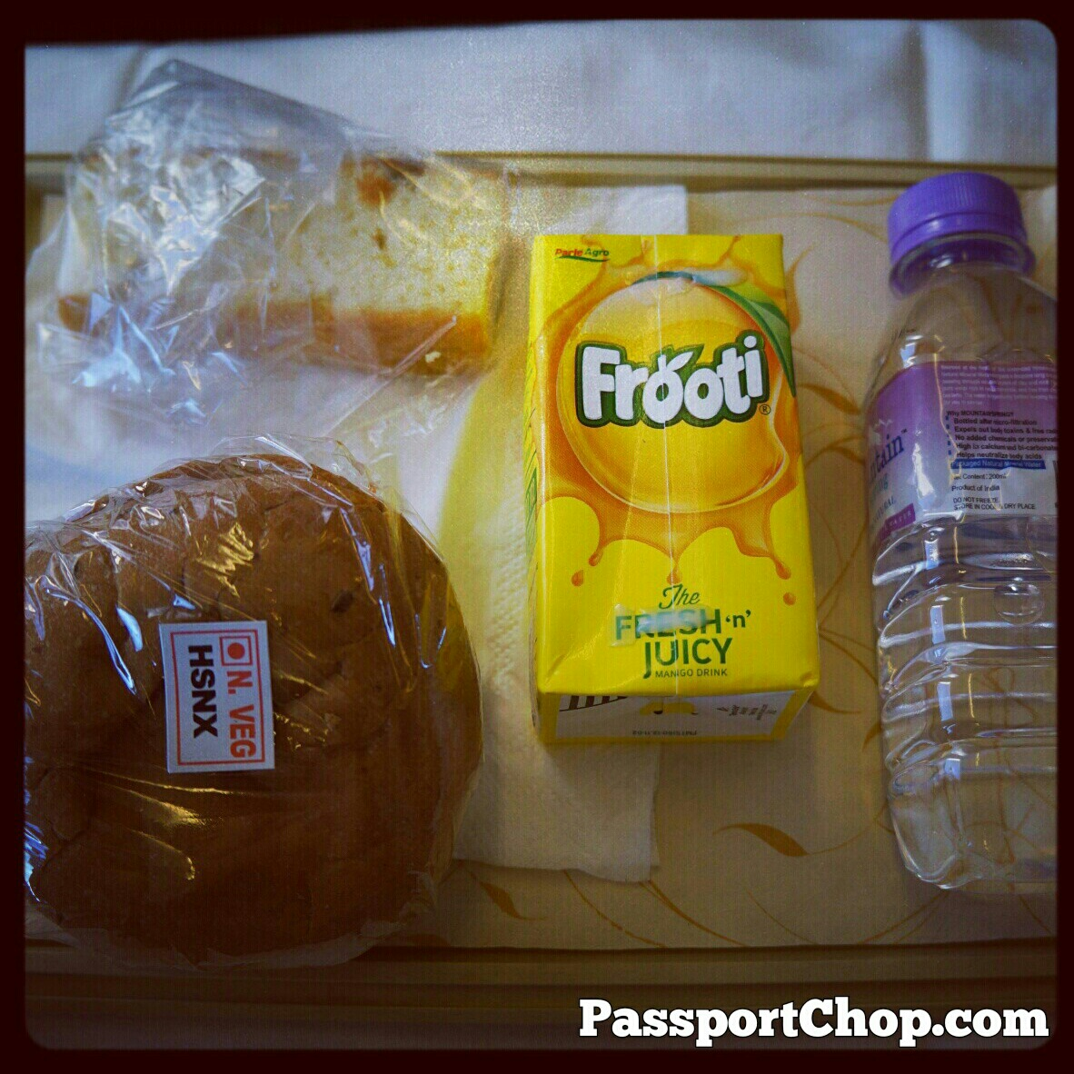 JetAirways jetKonnect Economy Class Flight to Srinagar inflight meals onboard sandwich juice cake