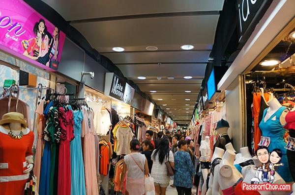 DTAC Thailand Bangkok Pay as you Go Prepaid SIM Happy Tourist SIM stay Connected Internet Mobile Data Plan Singapore Chatuchak Market Platinum Mall