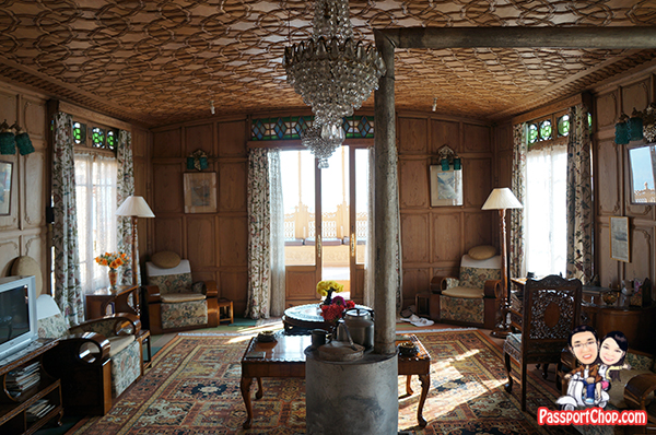Bostan Gulistan Houseboat Srinagar Kashmir India Home cooked Ashraf Guru Butler Abdul Living room Dal lake