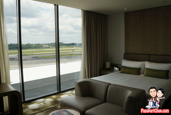 Crowne Plaza Changi Airport Terminal 3 Staycation Singapore Traveller-Friendly Runway View Room