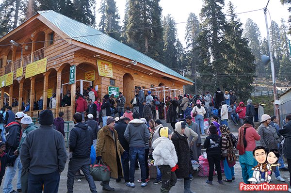 Gulmarg Long Queue Tiring waiting for Hours Ticketing Booth touts Guides Agents