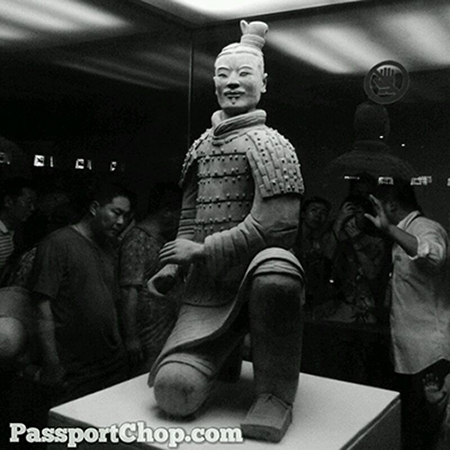 Terracotta Army Bin Ma Yong Squatting Archer 秦始皇兵马俑 Museum of the Terra-cotta Warriors and Horses of Qin Shihuang