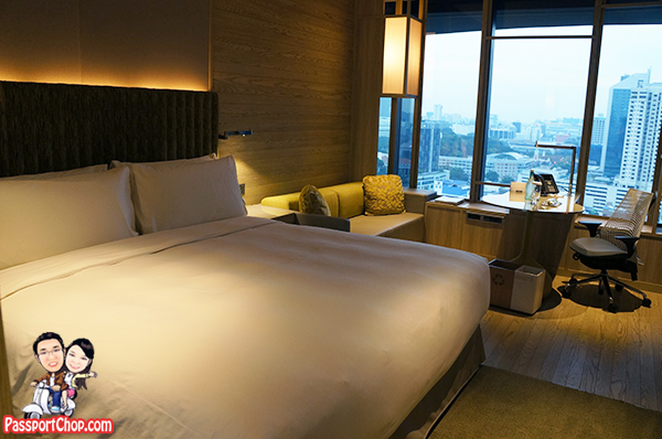 PARKROYAL on Pickering Hotel Bedroom Great View of Clarke Quay