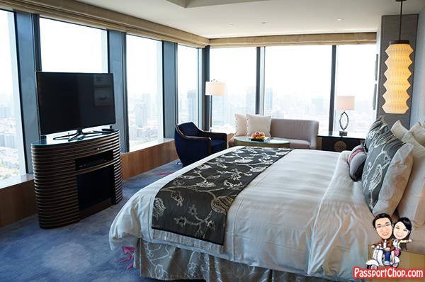 Luxurious BedRoom shangri-la-jing-an