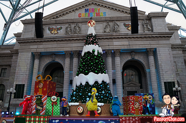 universal-studios-christmas-sesame-street-save-christmas