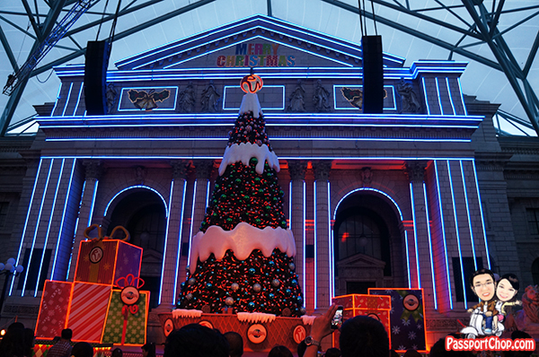 universal-studios-sesame-street-christmas-lighting