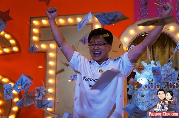 The Changi Millionaire Mr Peh Hock Peng Winner Changi Millionaire Draw 2013 2012