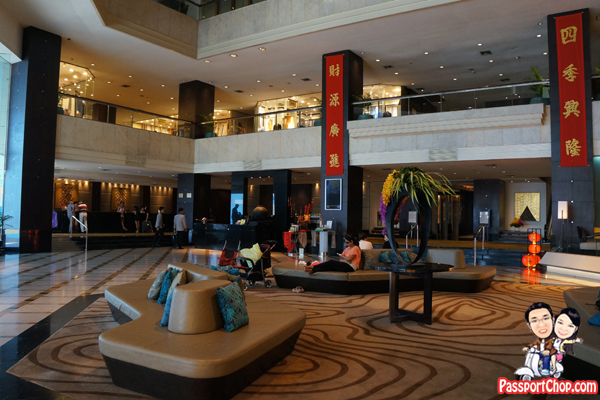 Amari-Watergate-Hotel-Lobby