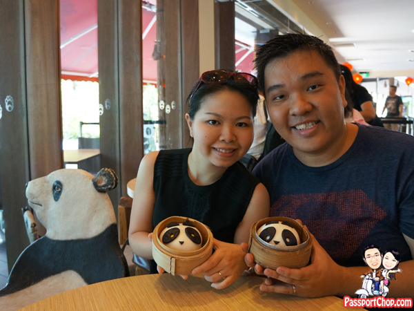 river-safari-singapore-zoo-mama-panda-buns