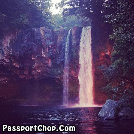 jeju-cheonjiyeon-waterfall