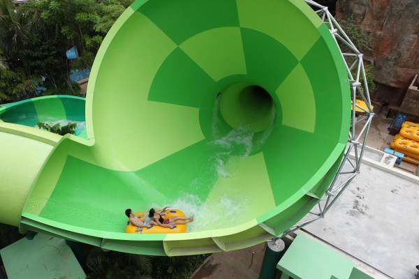 spiral-washout-adventure-cove-waterpark