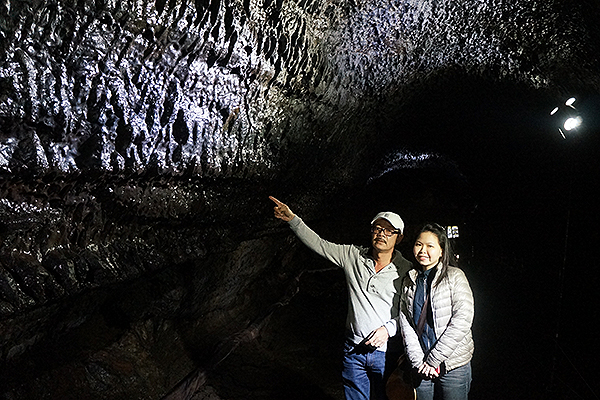 manjanggul-lava-cave-lava-stalacities