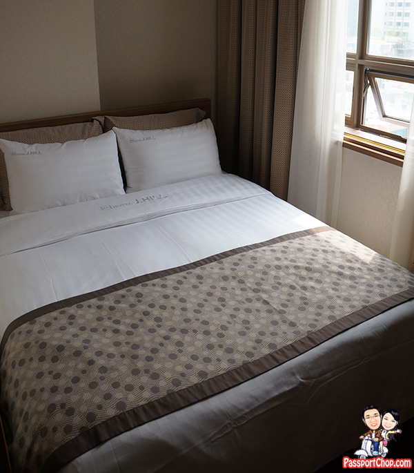 j-hill-hotel-seoul-double-room-small