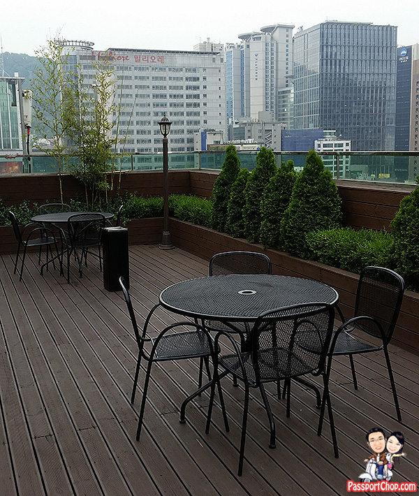 j-hill-hotel-smoking-terrace-myeongdong