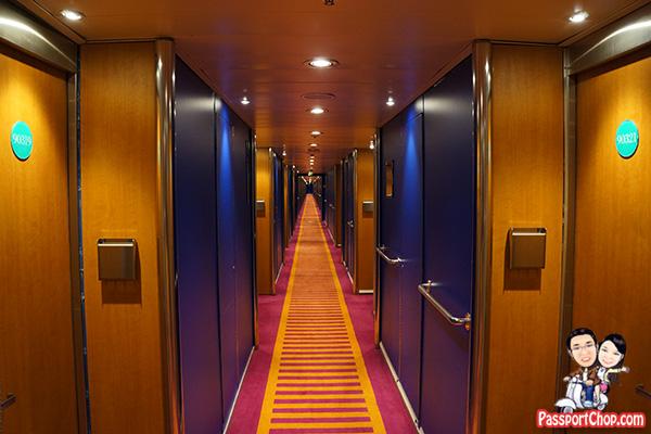 costa-victoria-cruise-corridor-cabin