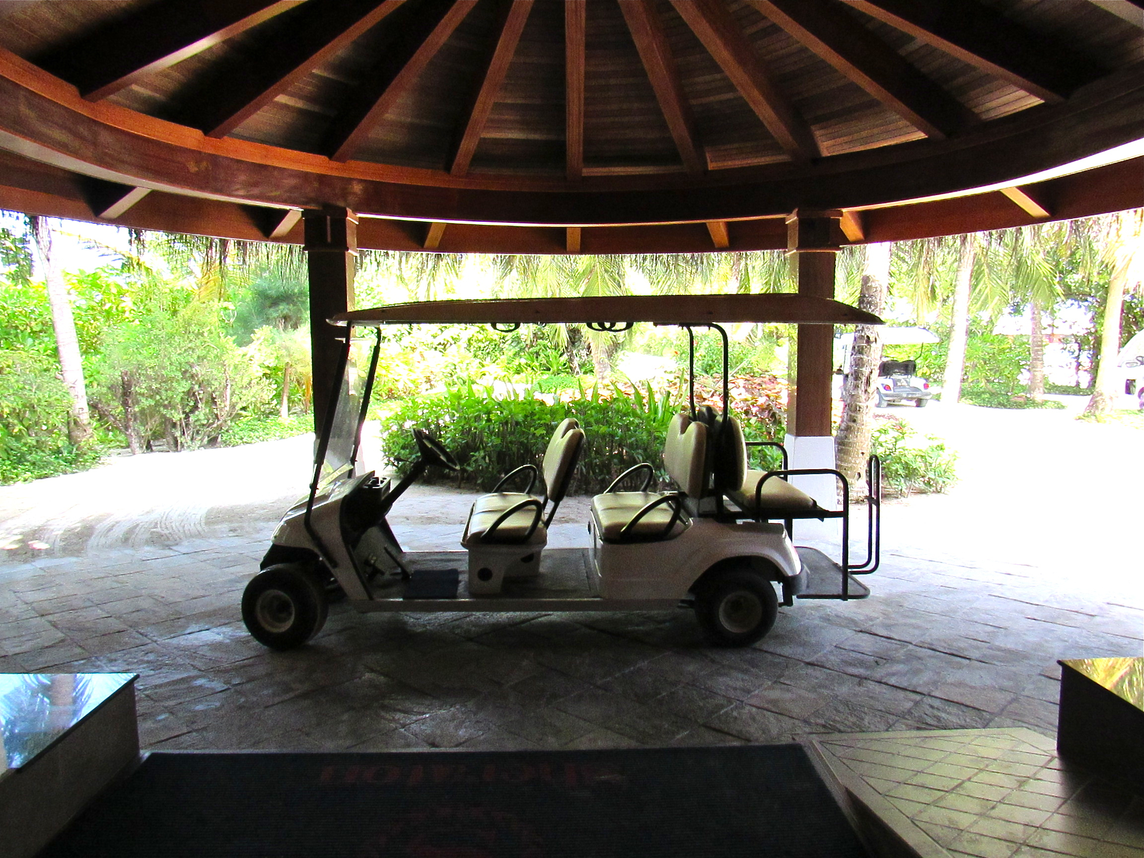 maldives sheraton resort buggy