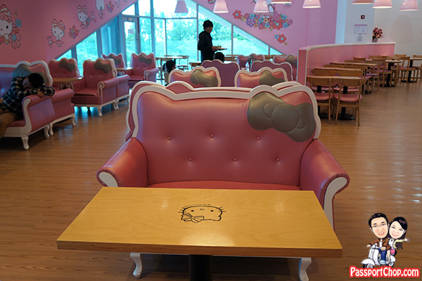 jeju hello kitty cafe sofa theme