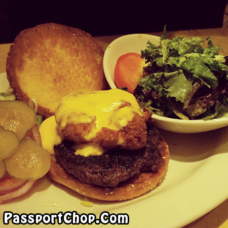 cheescake-factory-macaroni-cheese-burger