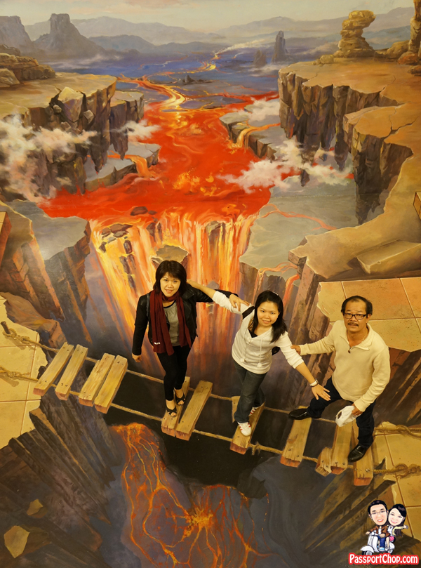 volcano-lava-bridge-alive-museum-trick-art
