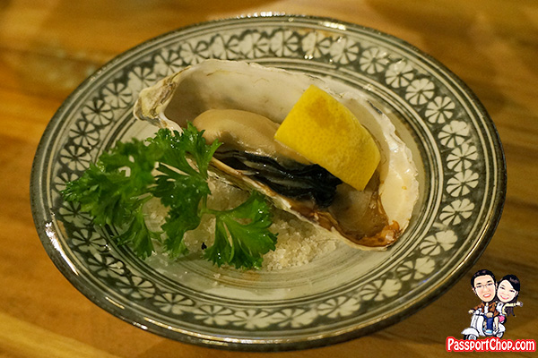 oyster-bar-wharf-quayside-charcoal-grilled-oysters-kaipara