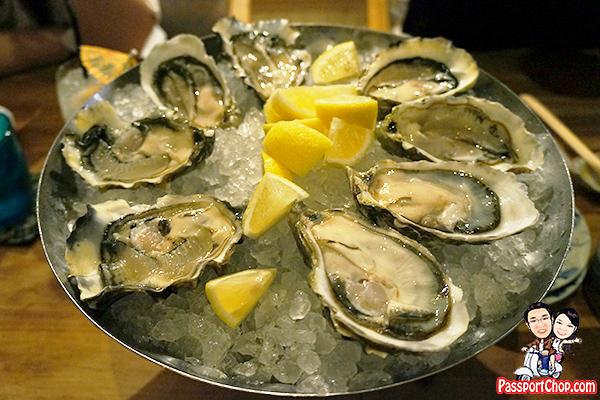 quayside-isle-oyster-grill-wharf-fresh-oyster-platter-fanny-bay