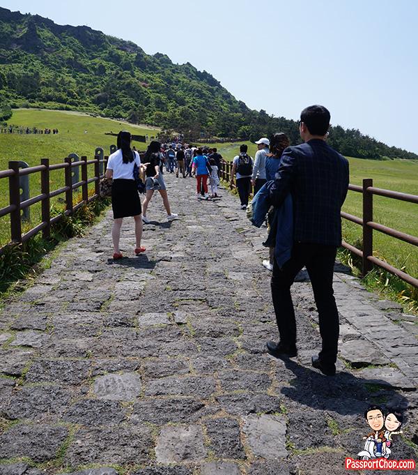 seongsan ilchulbong steps steep easy hike