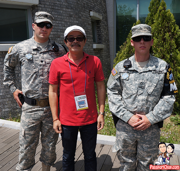 photo-taking with us soldiers dmz jsa tour