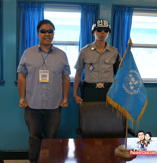 south korean guards dmz jsa tour blue house united nations