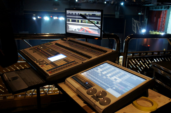 genting-bts-tour-lighting-board-equipment