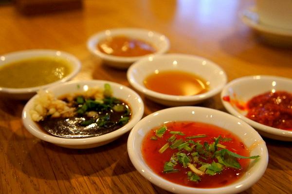 resort-seafood-sauces