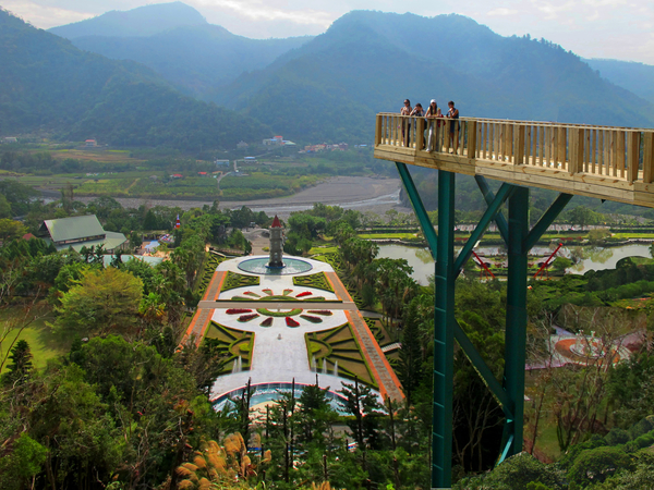 atayal resort panaromic view skywalk