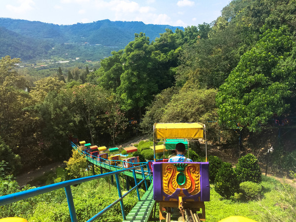 atayal resort train cable car view