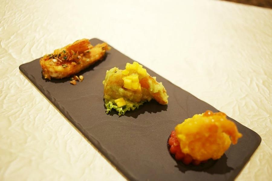 Wan Li Restaurant Signature prawns in Mango Wasabi renaissance jb hotel