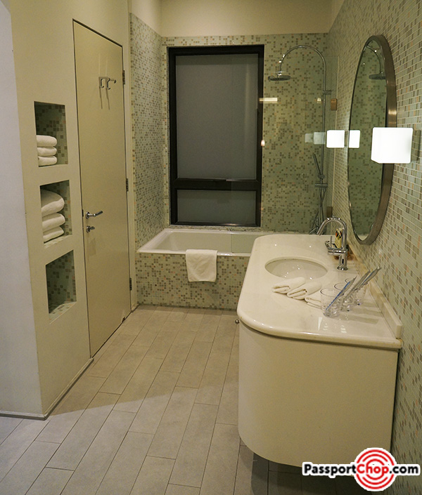 citadines-harbourview-hong-kong-bathtub-shower-review