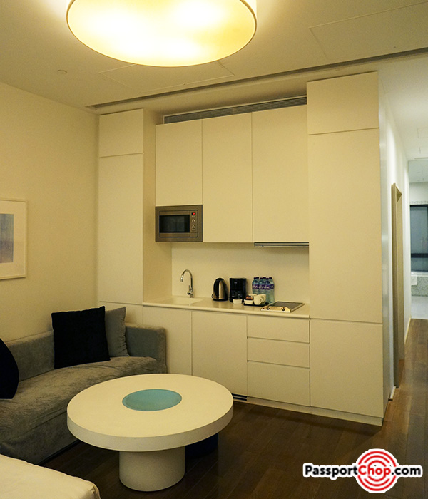 citadines-harbourview-hong-kong-kitchen-review-living-room