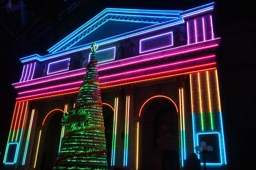 uss-christmas-dancing-light-show rws