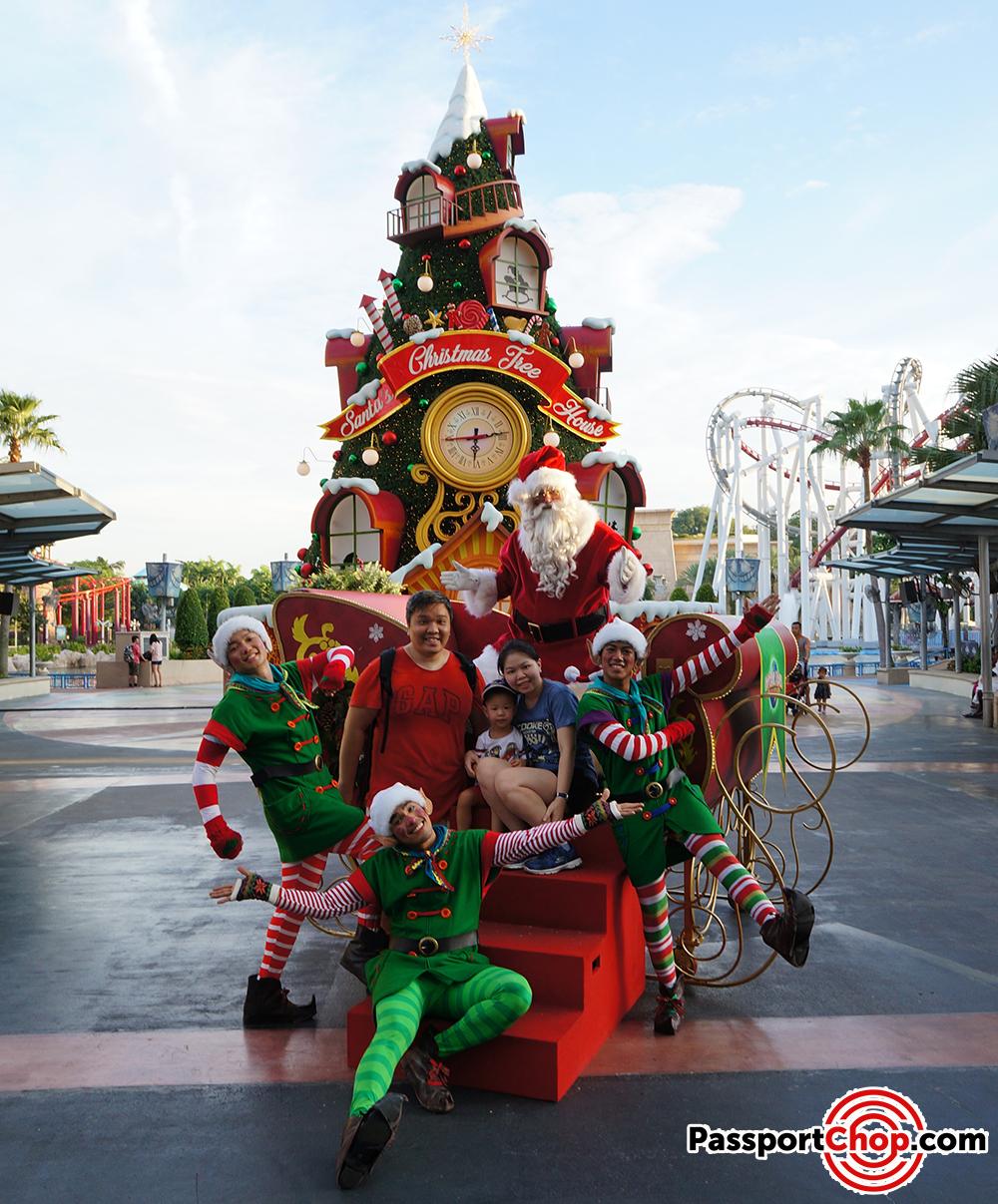 Santas Snowy Sleigh Ride Parade Hollywood New York Universal Studios Singapore
