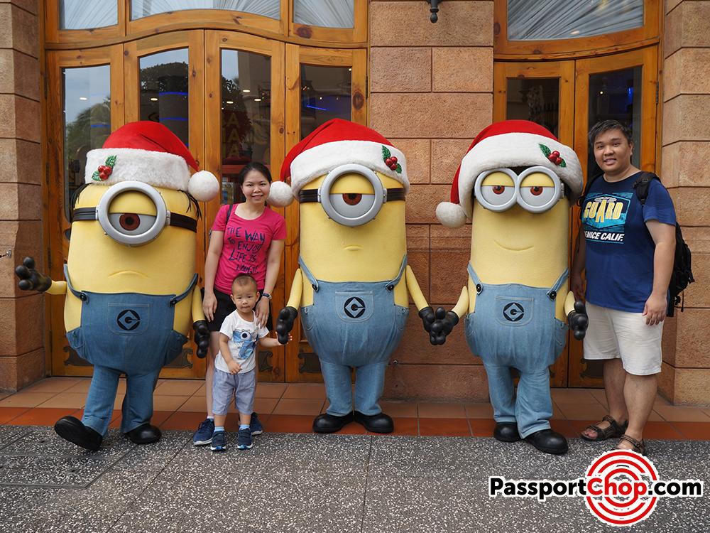 meet the minions and gru universal studios singapore