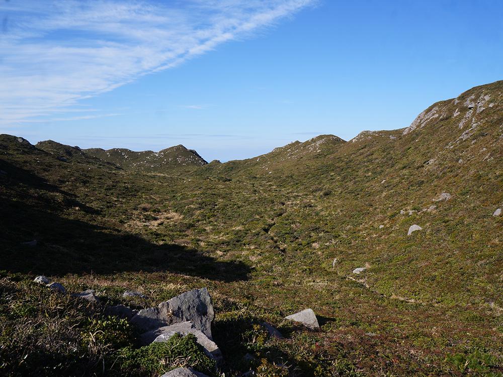 mount tenjo summit grassy kozu island