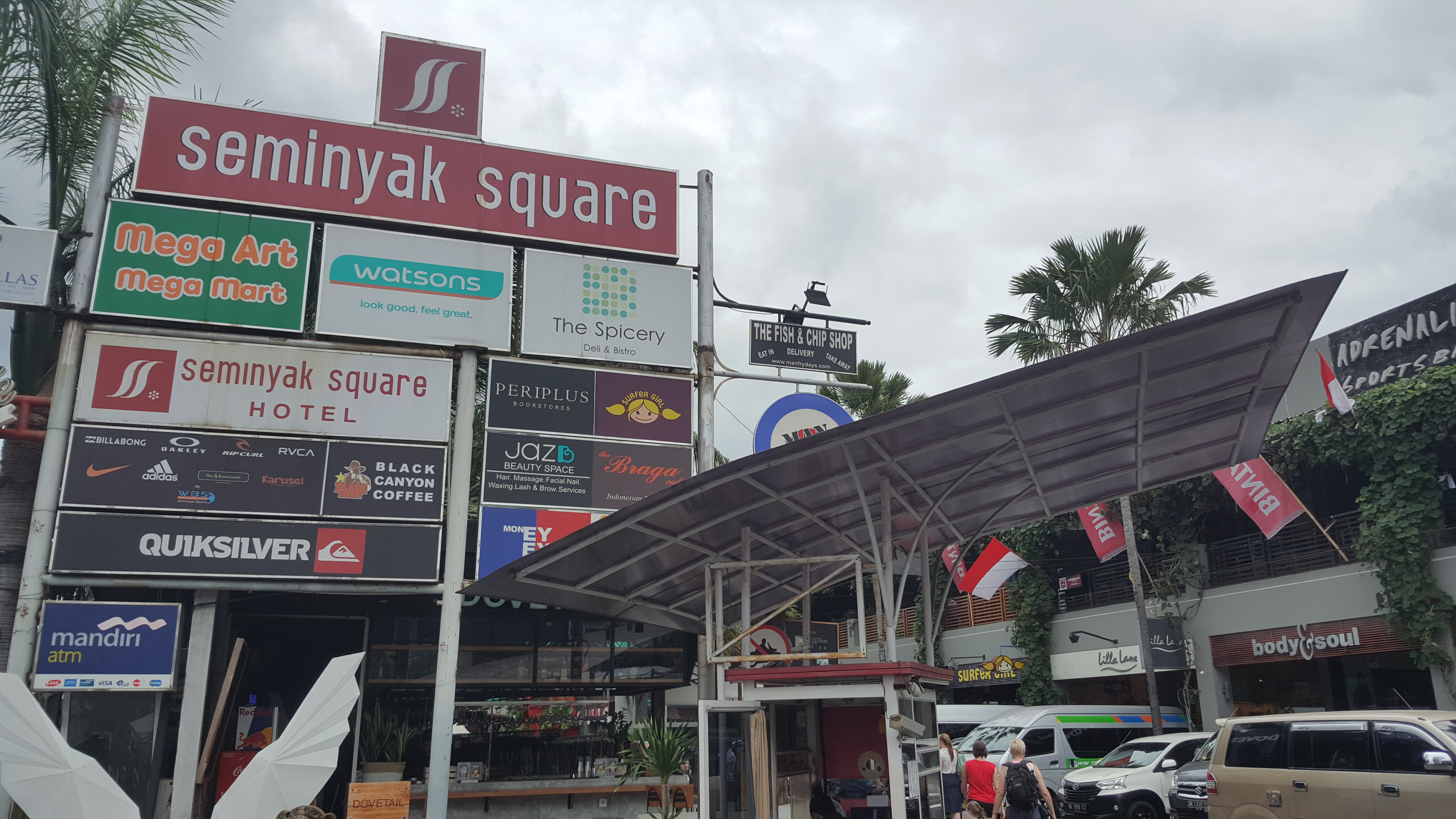 seminyak square bali shopping