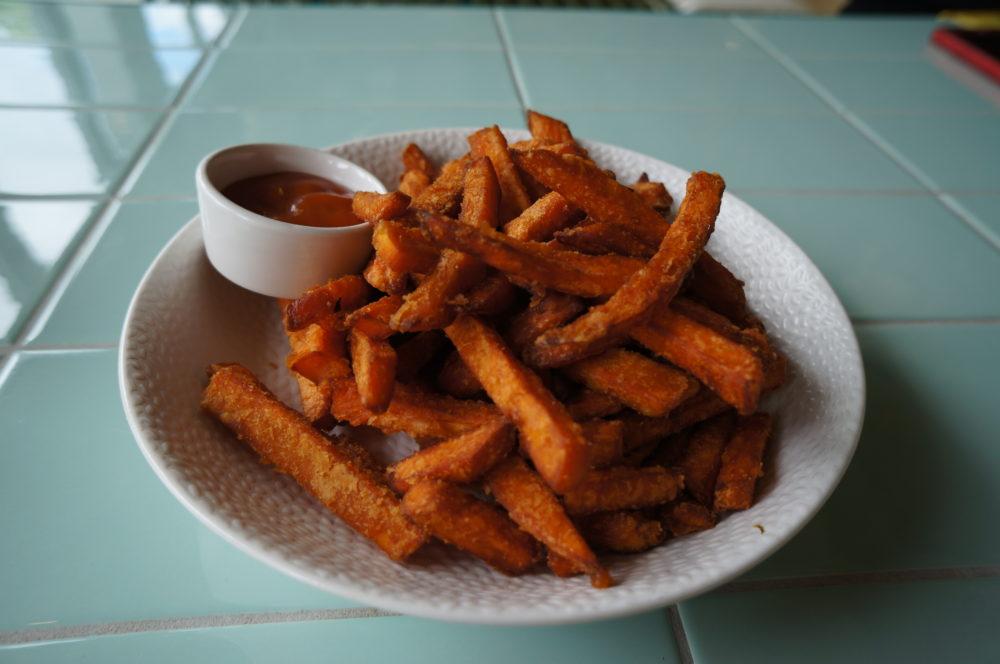 kantini bikini berlin food market sweet potato french fries