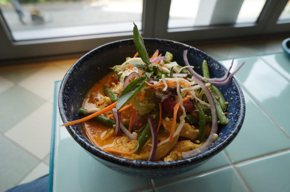thai green curry kantini bikini berlin food market